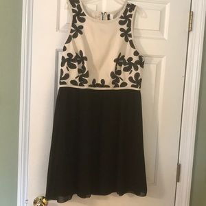 Cute black and white Kensie dress size L